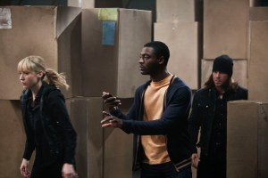 LEVERAGE_TwoLiveCrewJob_01_BethRiesgraf_AldisHodge_ChristianKane_PH_ErikHeinila