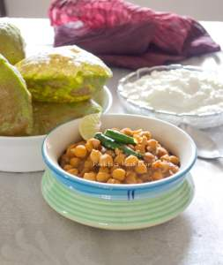 Punjabi Chana Masala in Slow Cooker | Indian chickpeas Curry in Slow Cooker