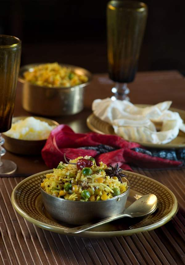 Bhuni Khichadi is a dish that is cooked on Makar Sankranti in most of northern India. From as long as I remember, bhuni khichadi and Chawal ki kheer are two staple dishes Mom used to make for the breakfast on the day of makar Sankranti