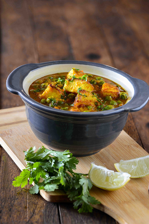 Matar paneer recipe punjabi style matar paneer sabzi my tasty curry matar paneer or mutter paneer curry is hearty vegetarian curry from north indian cuisine this forumfinder Gallery