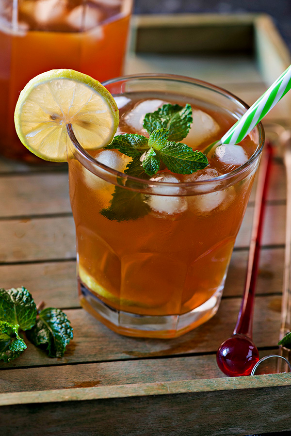 Ice tea or Iced Tea recipe is a perfect refreshing cool drink for summer. You really don't need too many fancy ingredients for iced tea. In fact, you can make a delicious pitcher of iced tea with simple ingredients available in your kitchen. Summers are time to enjoy refreshing cold drinks, but many of them are loaded with a lot of sweeteners as well and sometimes with so many fancy ingredients that when at home you just read the recipe and move on without actually trying that for yourself. Main reason, you don't have those fancy ingredients syrups available at home.