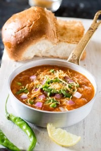 Pav Bhaji Recipe – Healthy Pav Bhaji recipe from Mumbai Street Food Series