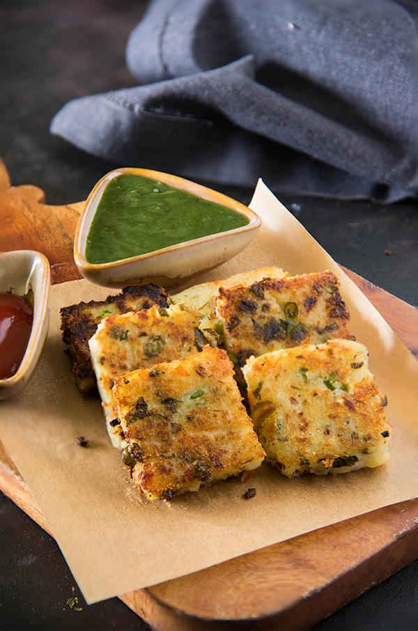 potato sooji ka nashta / Sooji Veggie Squares