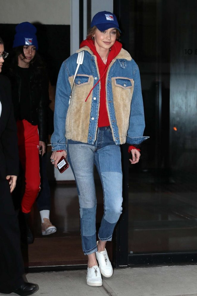 Gigi Hadid – Leaves her apartment in NYC