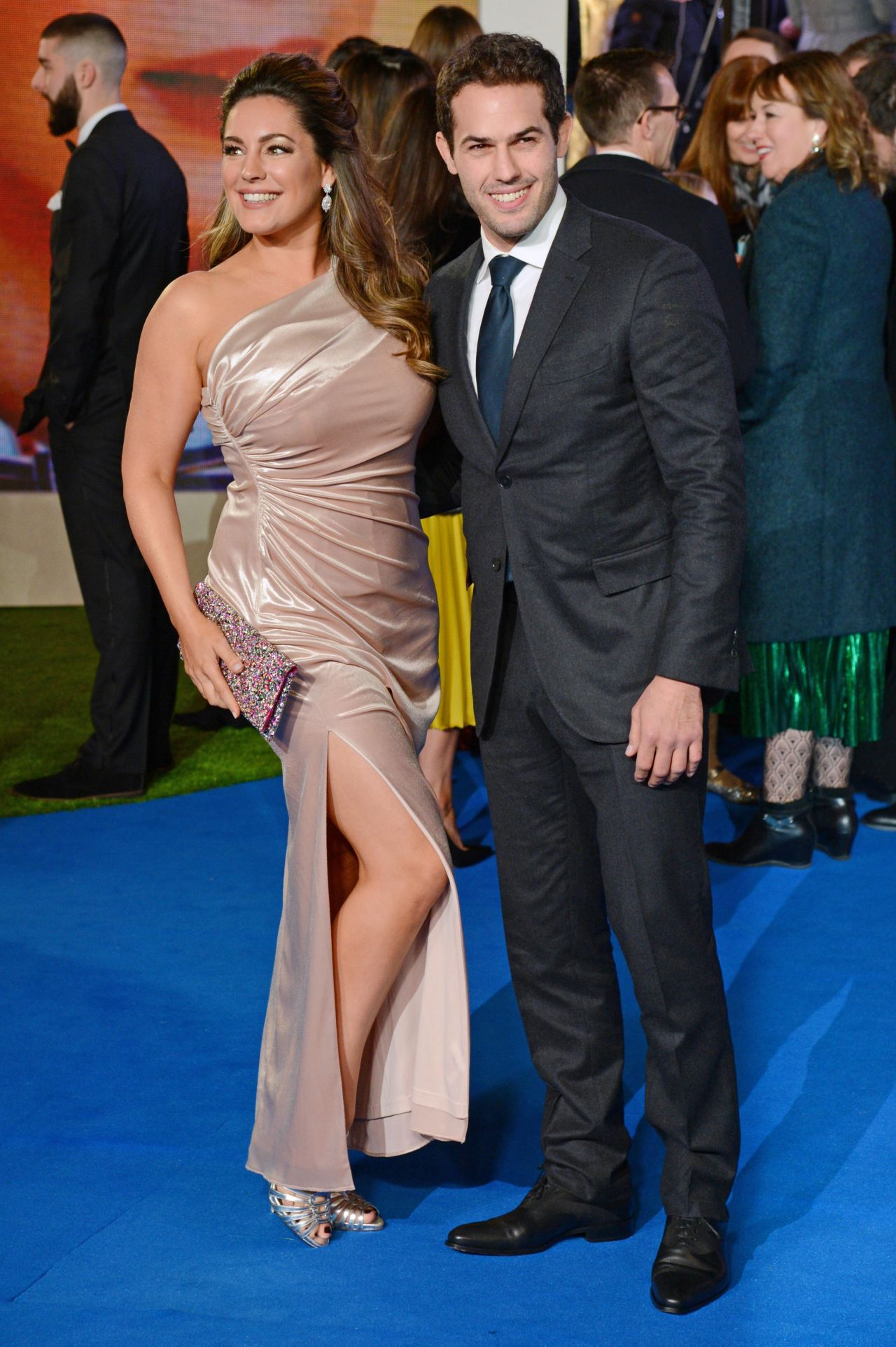 """Kelly Brook – """"Mary Poppins Returns"""" Premiere in London"""
