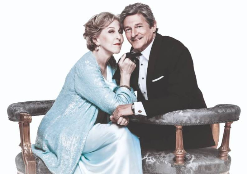 Nigel Havers and Patricia Hodge star in Private Lives