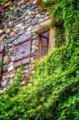 Window of Yvoire house, inside walls
