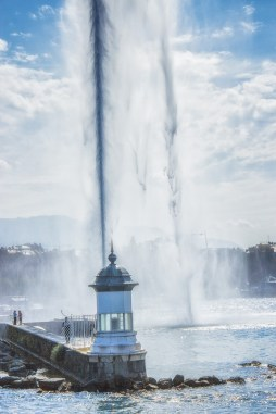 Close up of Genevas jet d'eau from the lake 2