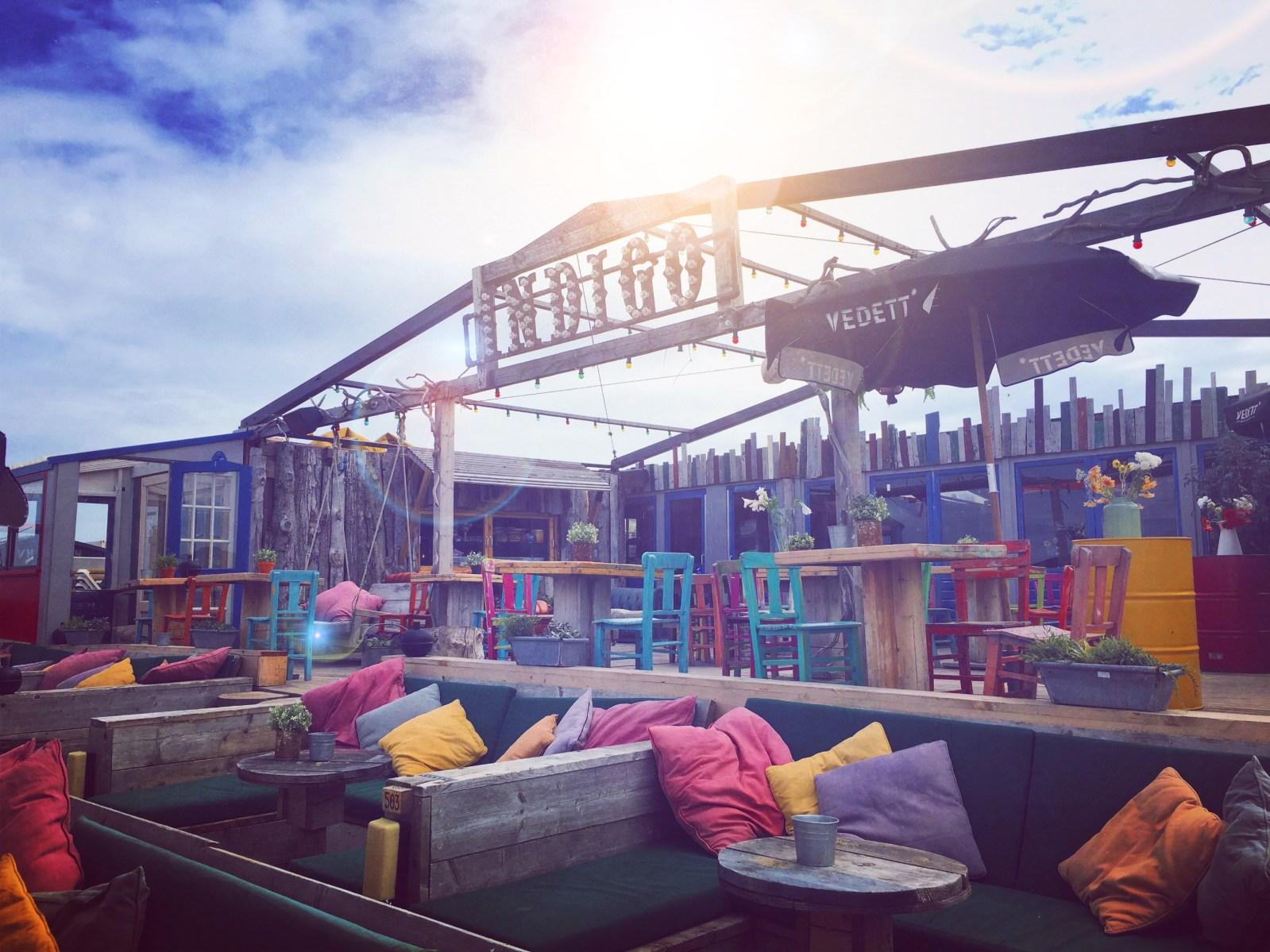 De beste en leukste beachclubs van scheveningen op een rij for Beste strandtent scheveningen
