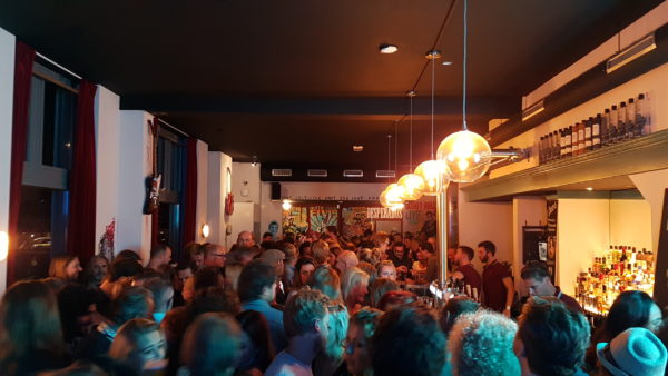 Douwe Bob opent The Fool Bar in Oost
