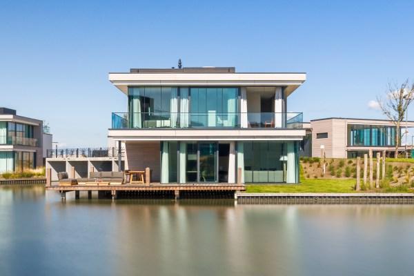 Luxe watervilla in Zeeland