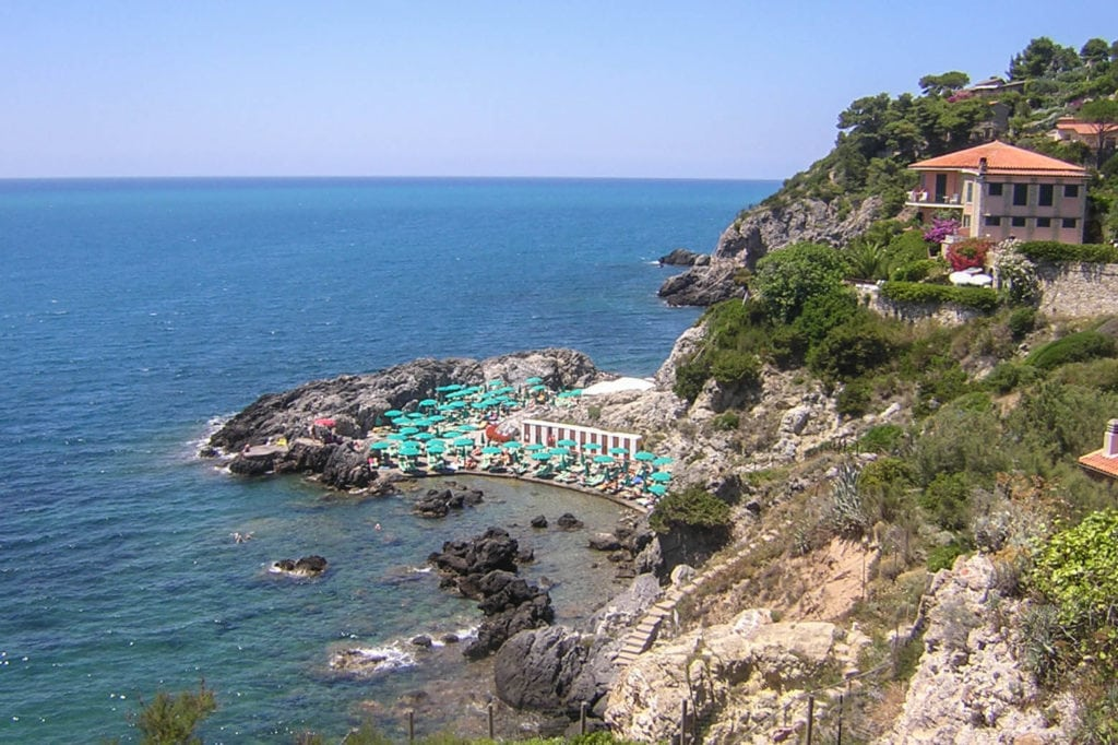 Cala Bagno delle Donne beaches in tuscany