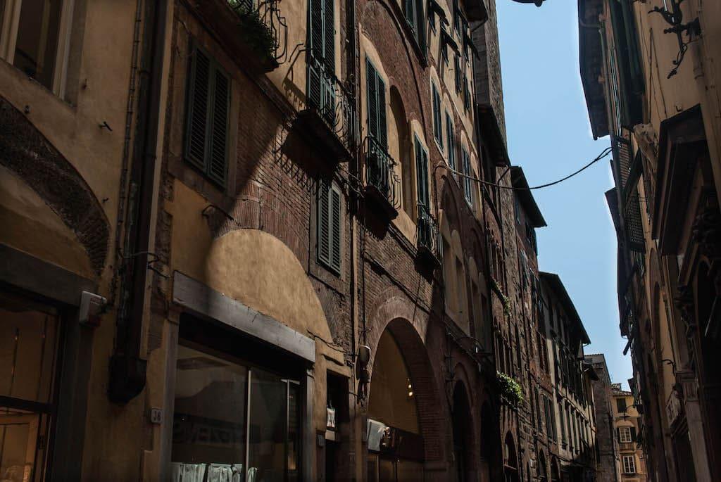 he old buildings of Via Fillungo Lucca