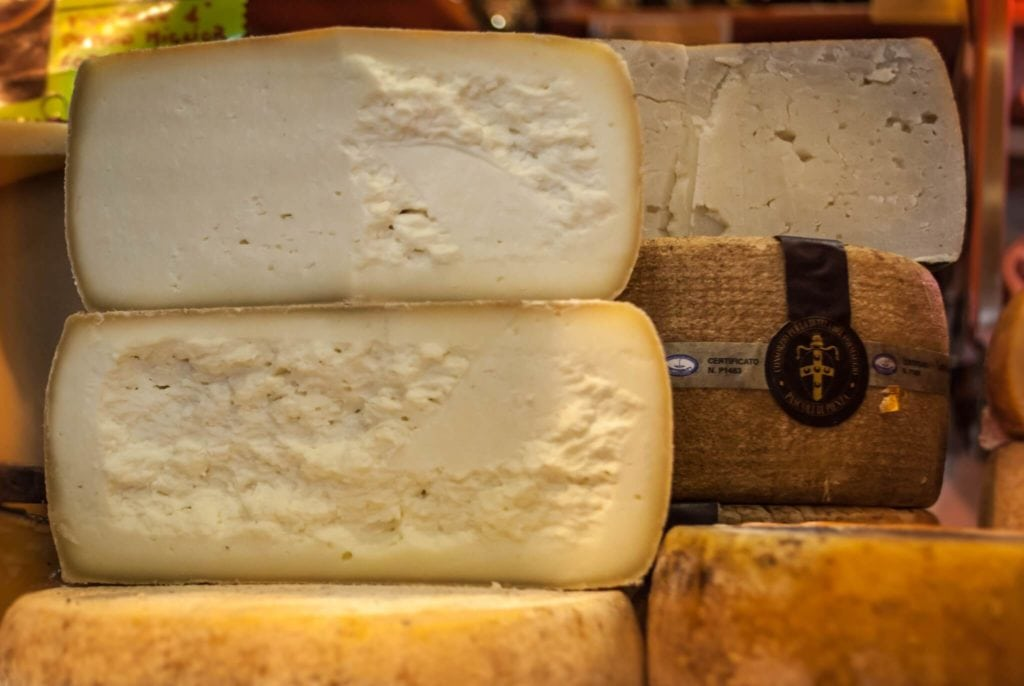 Pecorino Toscano cheese, an excellence of Tuscany - My