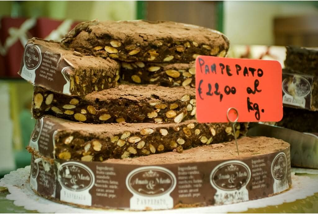 Panpepato Christmas cakes my travel in tuscany