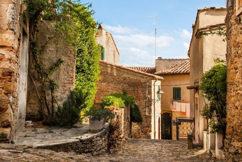 Montescudaio Tuscany villages MTIT