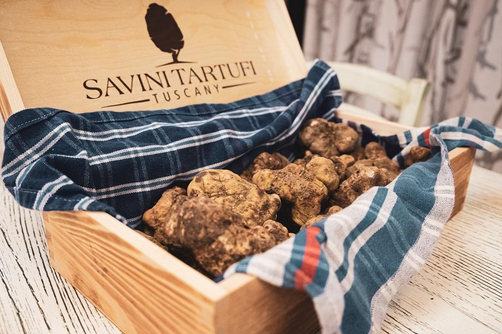 Truffle Box Savini Tartufi Valdera in Tuscany