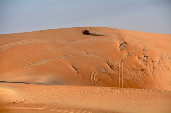 3-He doesn't want to fail this, its a long roll down that dune...