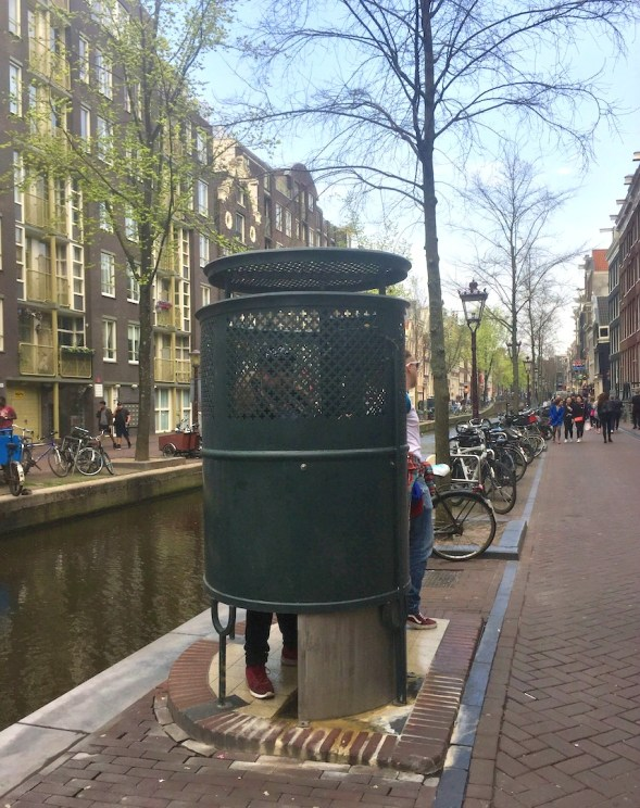 Yes, it really is a Pissoir, canal-side..not sure where the ladies go though!