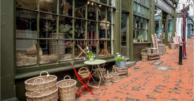 Shop local for longer in Tunbridge Wells on Sundays