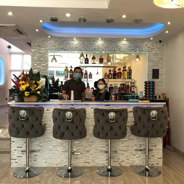 Nails and Cocktails Tunbridge Wells