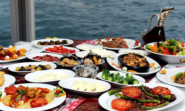 أشهى 10 أطباق لا يجب عليك تفويتها عند قدومك تركيا