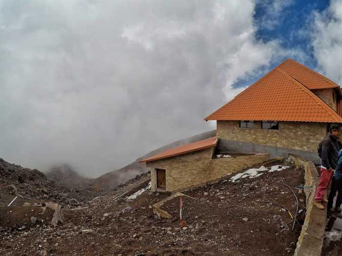 cotopaxi-refuge