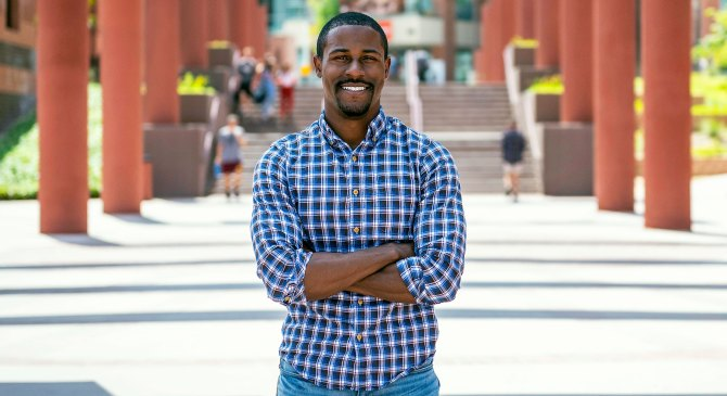 Former foster child, a USC alumnus, fights for foster youth