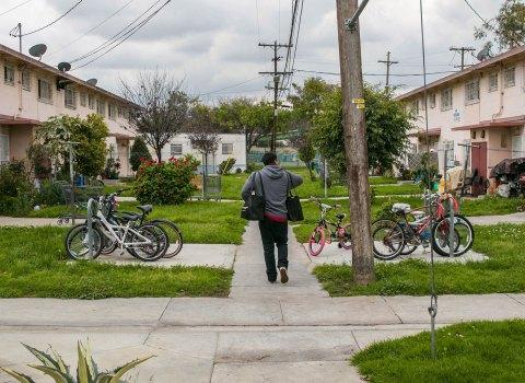 Trojan Eduardo Ibarra helps neighbors living amid coronavirus fear