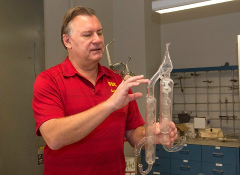 USC's scientific glassblower lets chemists' dreams become reality