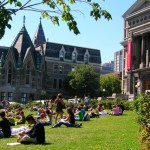 college-students-sitting-lawn