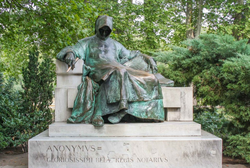 statue of Anonymus