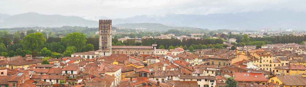 where to stay in lucca
