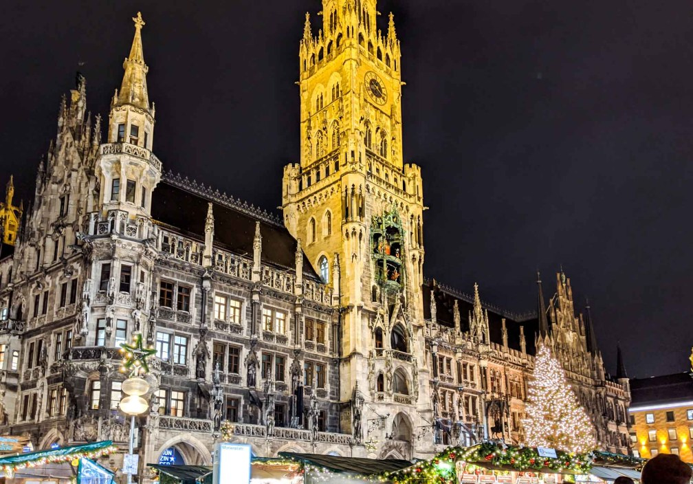 Christmas market at Marienplatz