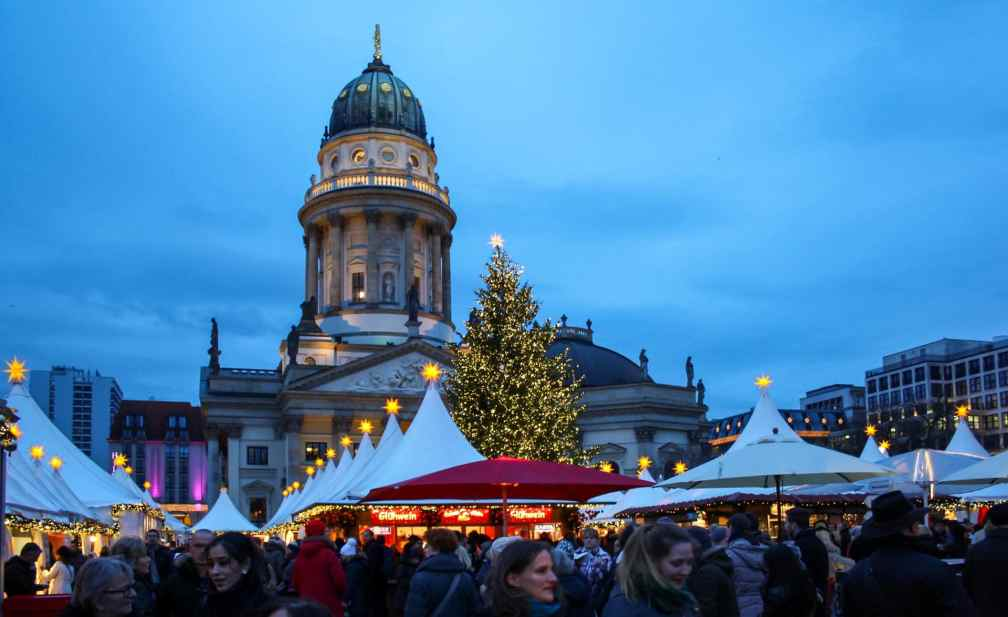 WeihnachtsZauber Жандарменмаркт рождественские ярмарки в Берлине Лучшие рождественские ярмарки в Берлине berlin weihnachtszauber gendarmenmark