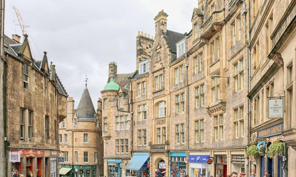 Where To Stay In Edinburgh Old Town Or New Town 2019