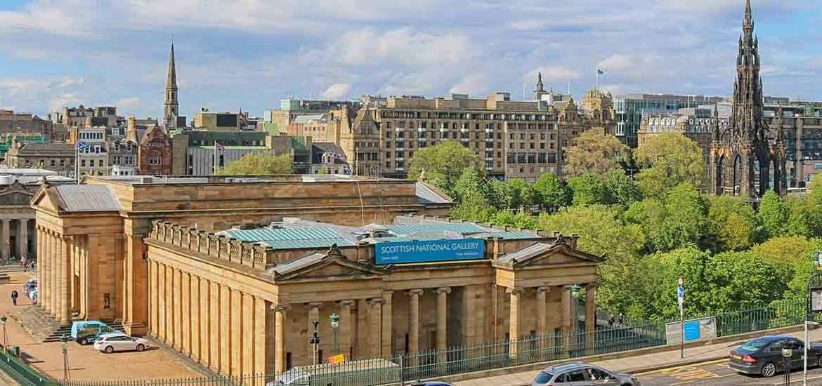 Where to Stay in Edinburgh (Most Complete Guide 2019)