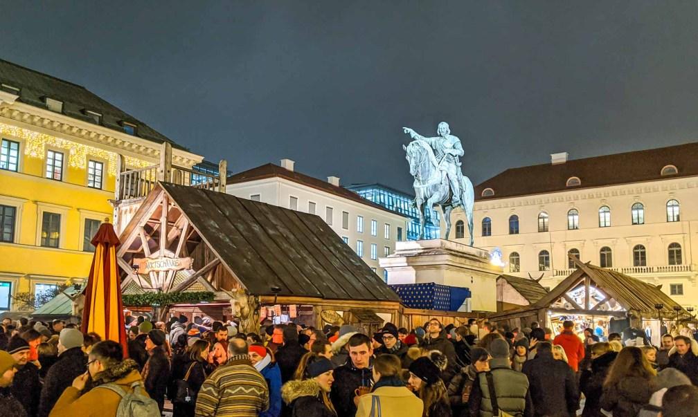 Mittelaltermarkt Лучшие рождественские рынки в Мюнхене Лучшие рождественские рынки в Мюнхене (путеводитель по 2020 году) munich medieval christmas market