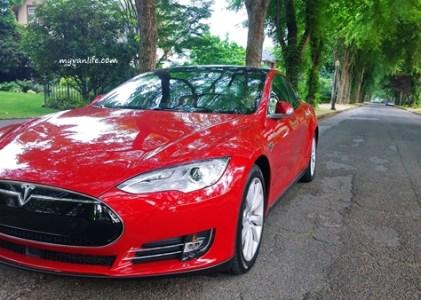 {工商服務} 既佛心又悶騷 — Tesla電動車初體驗