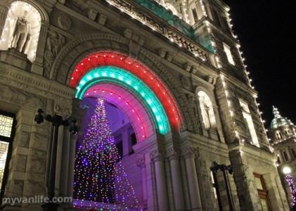 {維多利亞遊記} 卑詩首府歲末送暖,維多利亞市聖誕點燈典禮
