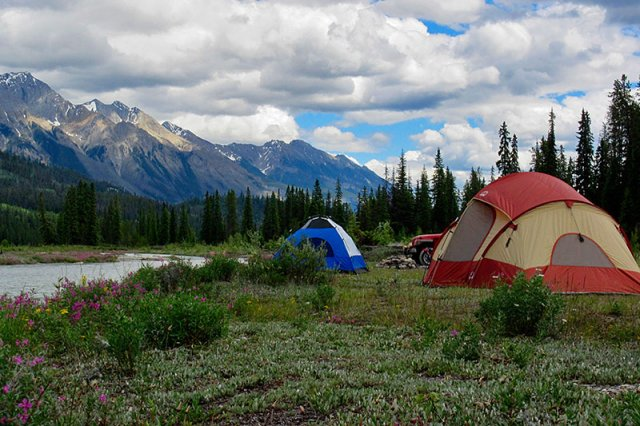 alpine-rafting-kicking-horse-river-campsite-golden-bc-rockies-british-columbia
