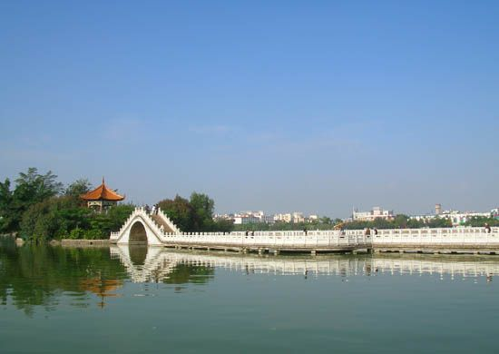 蒙自南湖 (圖片取自網路)