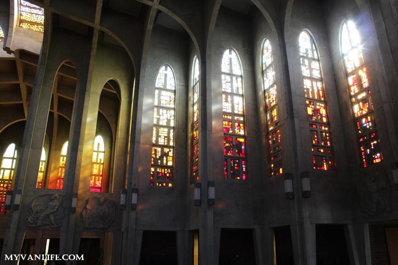 溫哥華旅遊推薦景點西敏寺修道院Mission Westminster Abbey