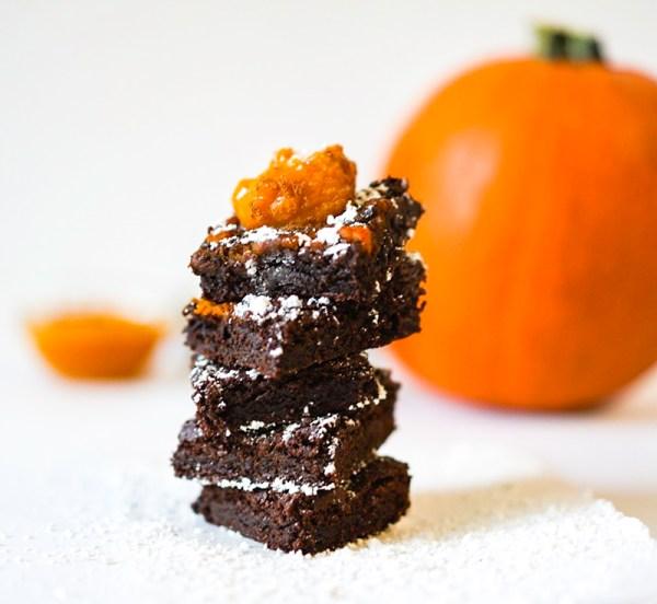 Pumpkin Topping Eggless Brownie #myvegetarianfamily