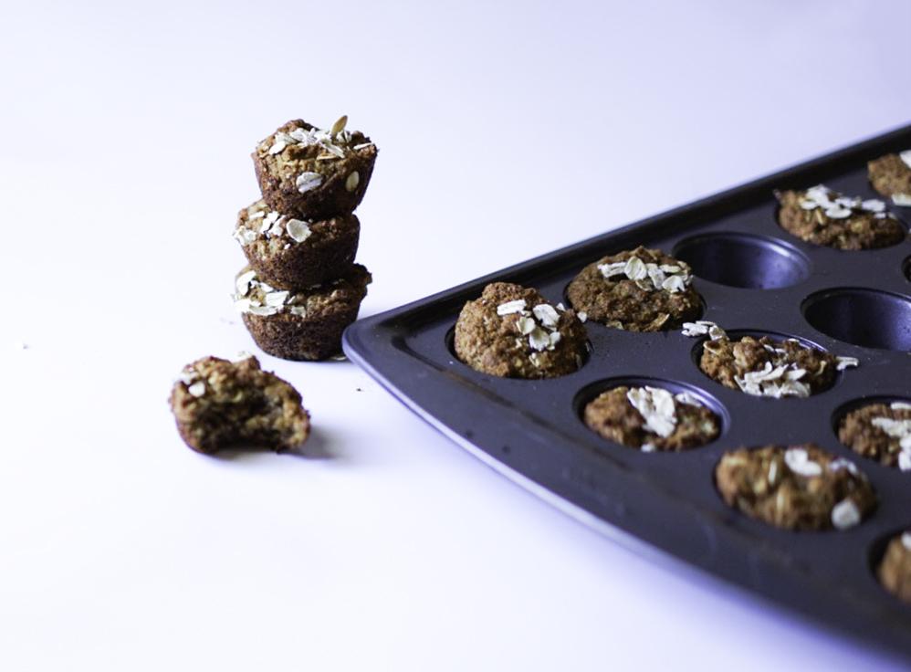 Mini Oatmeal Muffins #myvegetarianfamily
