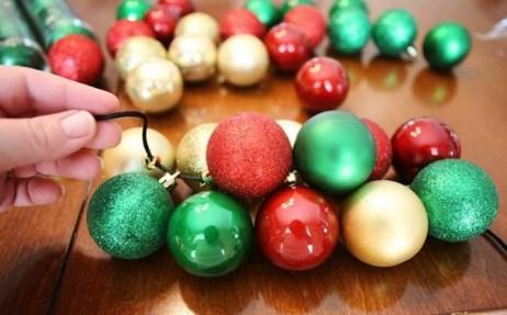 5234560-650-1450249926-12_Days_of_Christmas_DIY