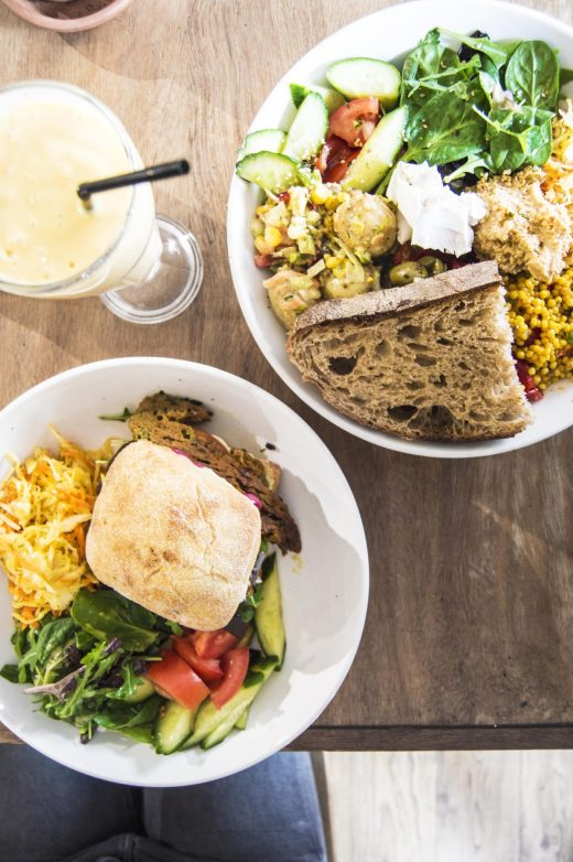 A Vegan In London – Black Cat Café