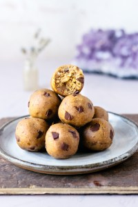 Vegan Peanut Butter Cookie Dough Protein Balls
