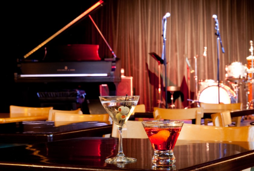 Spend A Wonderful Evening At An Exquisite Restaurant With Live Music