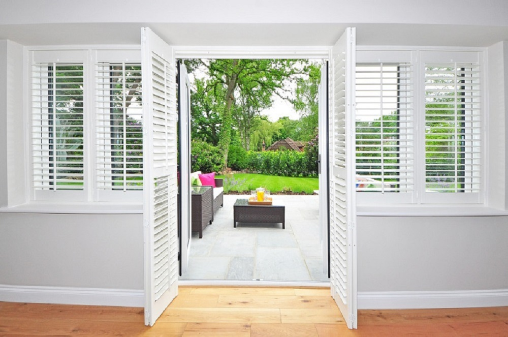Incroyable Install Window Shutters In Your Home And Enhance The Value Of Your Property